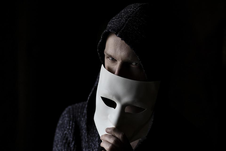 Che cos'è la psicopatia? Quali sono i tratti salienti di una persona psicopatica? Leggi il mio articolo e approfondisci il tema con i titoli consigliati.